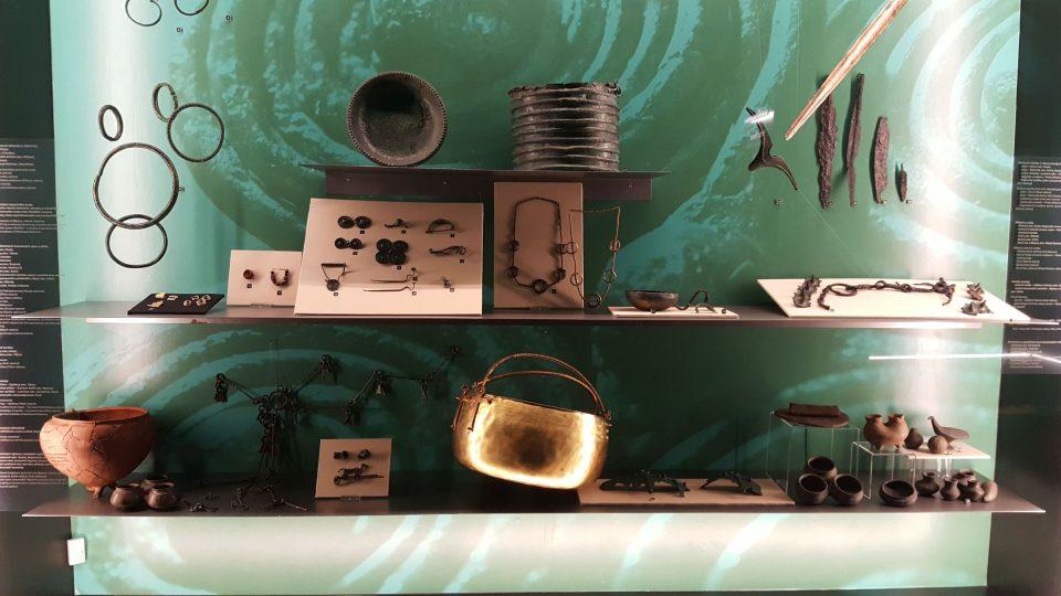 Šperky a nádobí