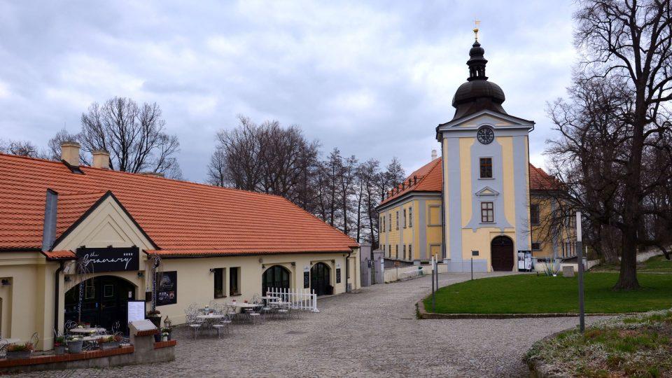 Areál ctěnického zámku, jedna z expozic Muzea hlavního města Prahy