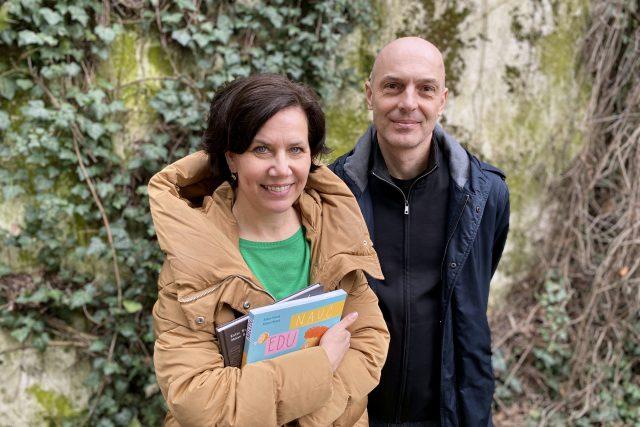 Spisovatelka Ester a ilustrátor Milan Staří | foto: Tereza Čistotová,  Český rozhlas